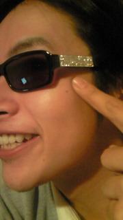 *メガネは顔の一部です。*